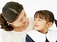 画像:母と女の子